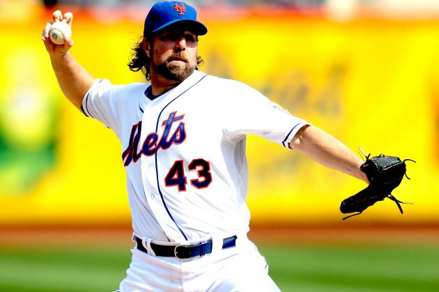 Report: R.A. Dickey More Likely to Stay with the Mets Than Be Traded