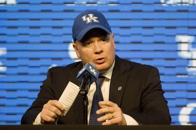 Kentucky Football: Mark Stoops Wasting No Time Putting Together His Staff