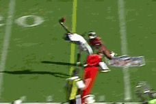 Jason Avant Helps out Nick Foles with Wonderful Catch