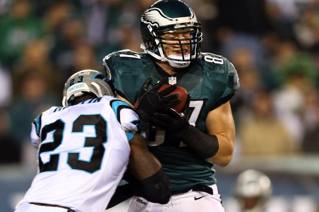 Eagles' Brent Celek Sidelined with Concussion