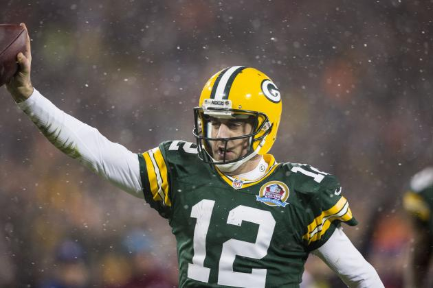 Should You Bench Aaron Rodgers in Week 15 Against the Chicago Bears?