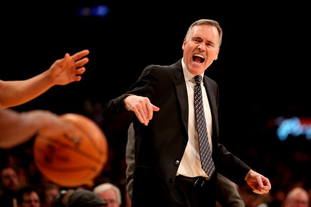 Will Mike D'Antoni Get the Mike Brown Treatment from Lakers Brass?