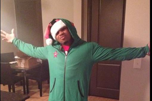 Doug Martin Busts Out Granddaddy of All Christmas Onesies