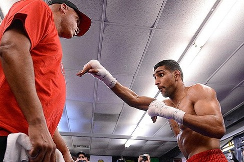 Khan on the Defensive Against Molina