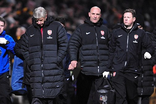 Arsenal Crisis Deepens as Wenger's Relationship with No 2 Bould