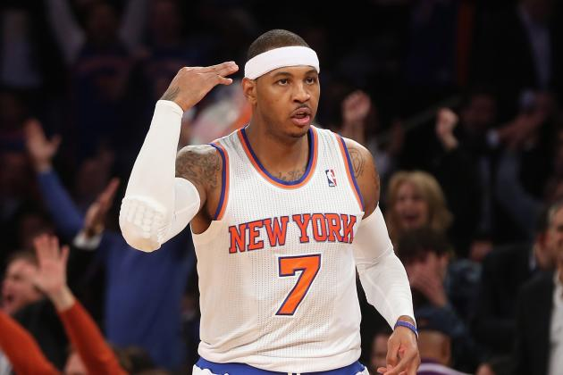 Melo Heads to Locker Room After Awkward Fall