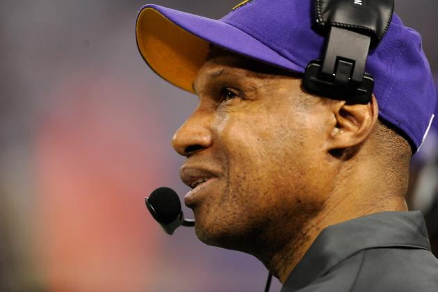 Leslie Frazier Says Back Injury Still Hurting Jerome Simpson's Play