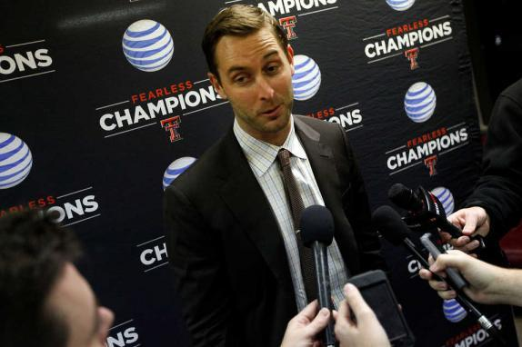 Kliff Kingsbury Jabs at Tuberville, Wants to Schedule Cincinnati Next Year