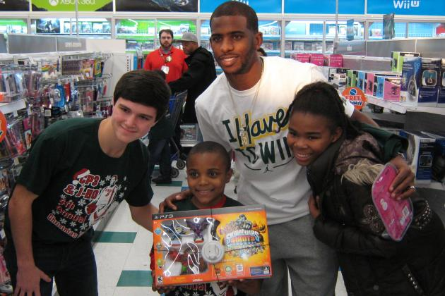Clippers Chris Paul Brings Christmas Cheer to 100 North Carolina Children