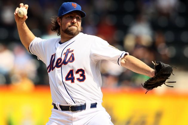 MLB Trade Rumors: R.A. Dickey to Toronto Blue Jays Buzz Is Heating Up Again