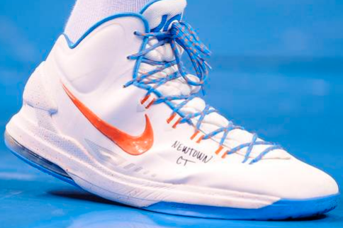 Kevin Durant Pays Tribute to Newtown Victims on Shoes