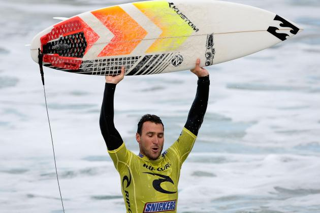 Parko Conquers Slater and His Maiden World Title at Pipeline