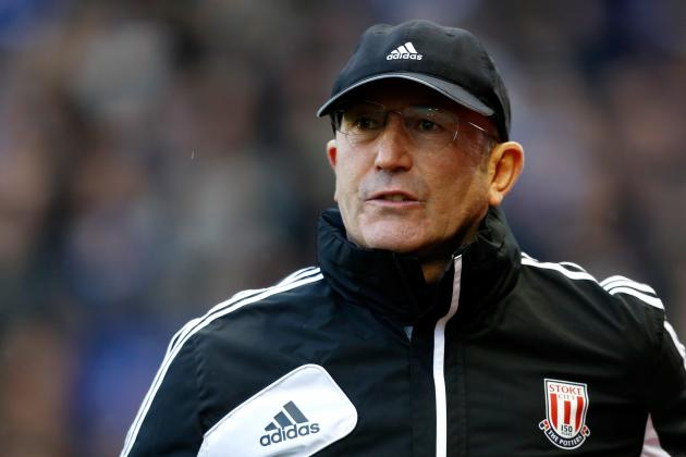 Pulis Unhappy That Evertons Marouane Fellaini Was Not Shown a Red Card