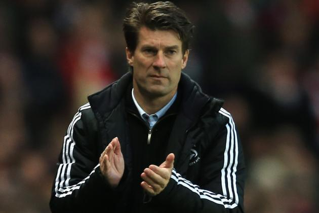 Swansea Boss Michael Laudrup Fumes at Referee Mike Dean over Michu Injury