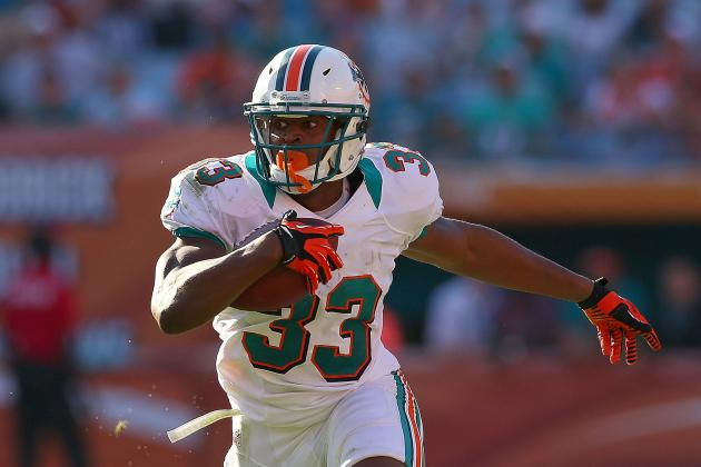 Dolphins Tailback Daniel Thomas Suffered a Right Knee Injury