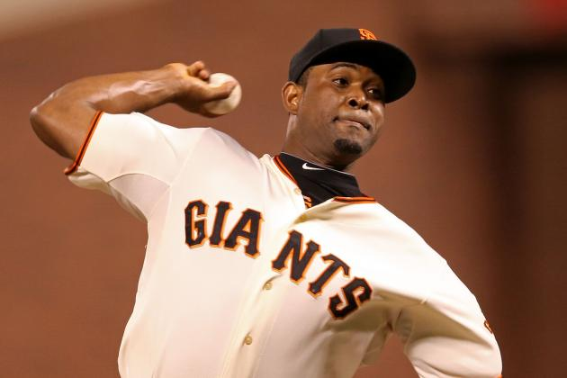 Giants, Casilla Agree to Three-Year Deal
