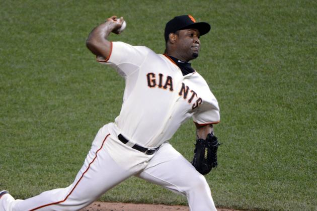 Giants Sign Reliever Casilla to Three-Year Deal