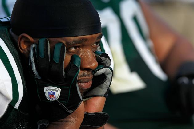 Calvin Pace Frustrated with New York Jets Offense, and Other AFC East News