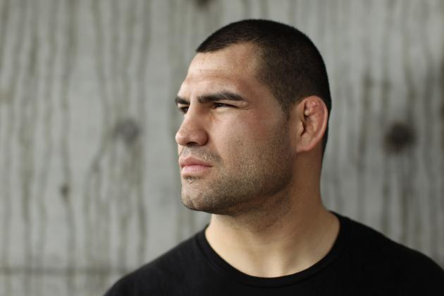 Cain Velasquez Tore His ACL Before Junior Dos Santos Fight at UFC on FOX
