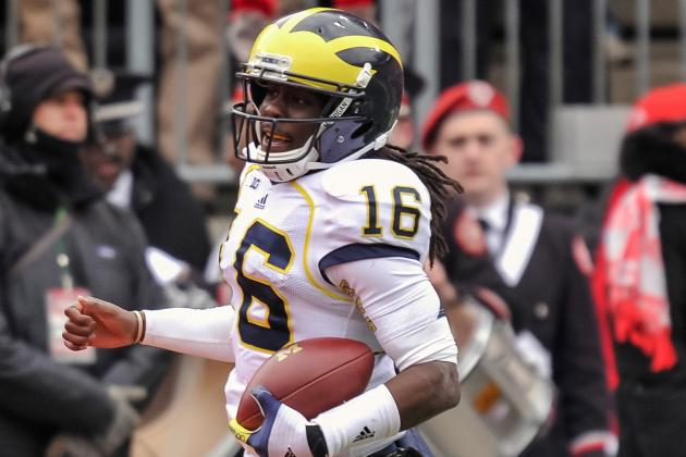Michigan Wolverines' Outback Bowl Unis Mock Tradition