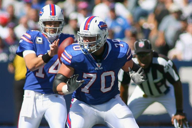 Bills Center Eric Wood Thinks Toronto Series Is a Joke, and Other AFC East News