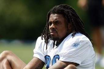 Lions Practice Report: Louis Delmas Back on the Sideline