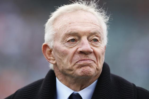 Jerry Jones: Dez Bryant Will Need Bone Graft from His Hand, Not His Hip
