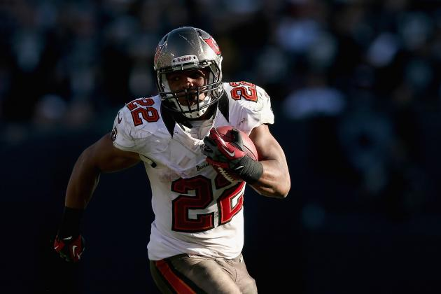 NFL Rookie of the Year 2012: Why Doug Martin Deserves More Hype