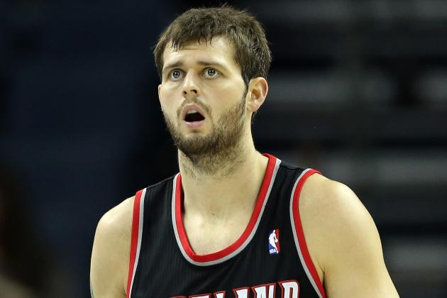 Joel Freeland Will Start at Center in Place of LaMarcus Aldridge