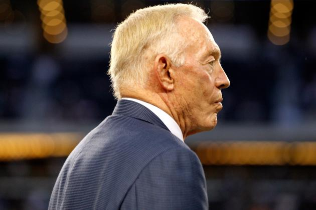 'Dr. Jerry Jones' Admits Goof on Dez' Hip-to-Hand Surgery Needs
