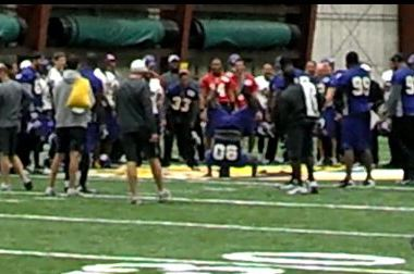 Minnesota Vikings Breakdance to Close Down Practice