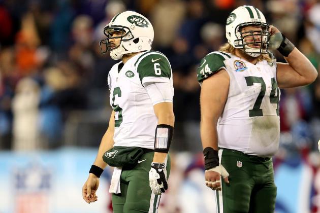 Jets QB Sanchez Dodges Trade Talk