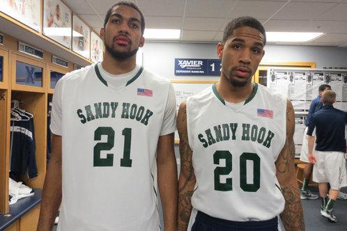 Xavier Men's Basketball Team Wears Its Support of Sandy Hook School