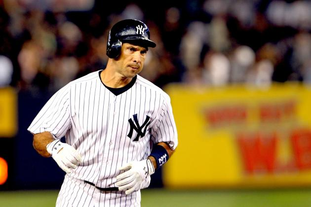 Seattle Mariners Sign of Raul Ibanez
