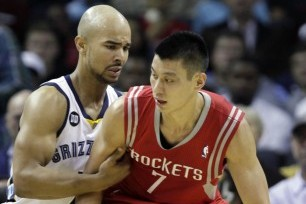 Rockets Rout Grizzlies in High-Scoring Fashion