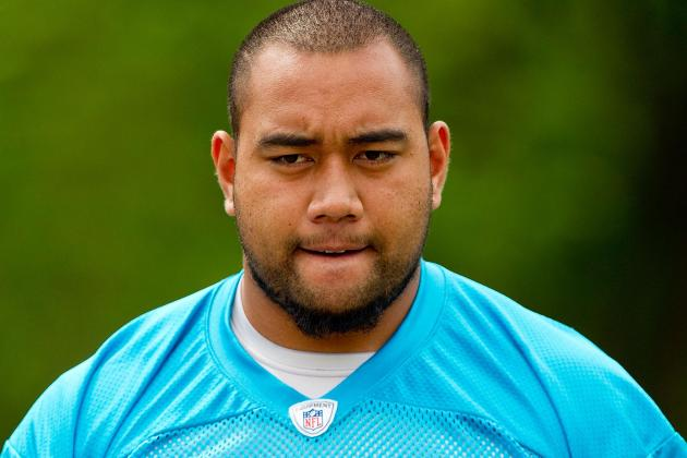 OL Amini Silatolu out for Rest of Game