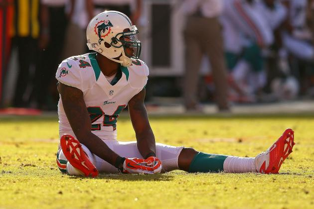Dolphins Cornerback Sean Smith Hurts Left Knee