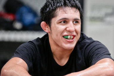 Erik Perez to Celebrate Mexican Heritage at UFC 155 by Wearing Luchador Mask