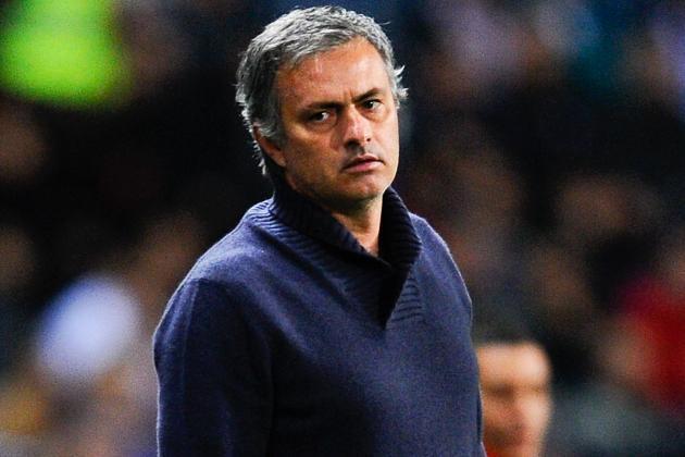 Fans 'Sack' Mourinho
