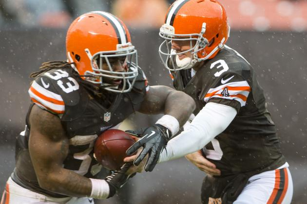Browns' QBs Brandon Weeden and Colt McCoy Both Idle with Shoulders