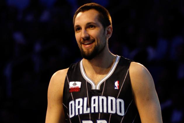 Ryan Anderson, now with the Hornets, prepares to face the Magic in Orlando