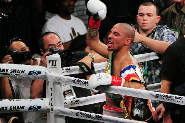 Ward to Have Shoulder Surgery, Pavlik Fight off