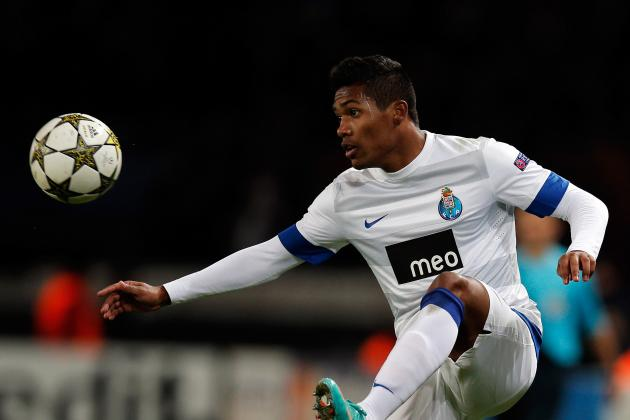 Man Utd Target Alex Sandro Committed to Porto