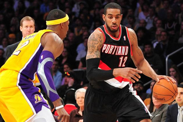 LaMarcus Aldridge out for Rest of Game vs. Lakers