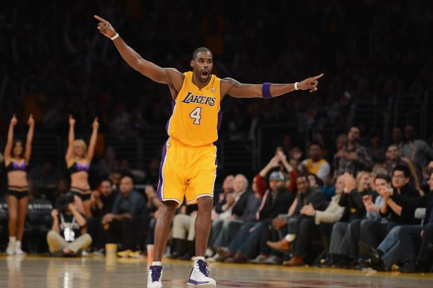 Why Can't Antawn Jamison Find a Place in Mike D'Antoni's Rotation?