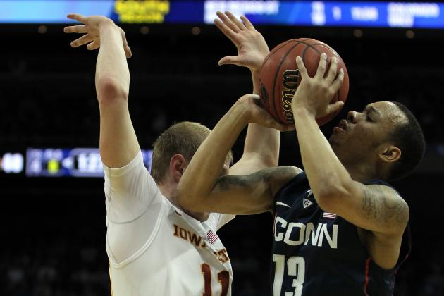 UConn 61, Washington 53