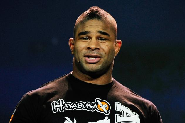 Alistair Overeem Pokes Fun at Junior Dos Santos During UFC 155