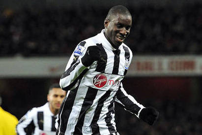 Striker Ba Set for Chelsea Talks