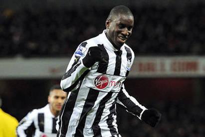 Striker Ba Set for Chelsea Talks