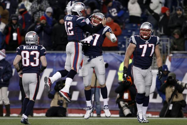 Brady, Pats Blank Dolphins to Earn Playoff Bye